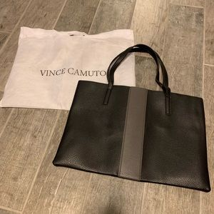 🆕 Vince Camuto large vegan leather tote